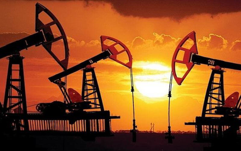 Oil Reaches $70 a Barrel for First Time in Three Years