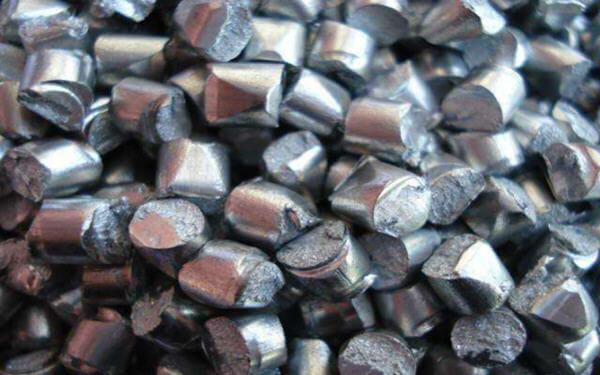 传中国锌冶炼企业拟减产10%以提振价格