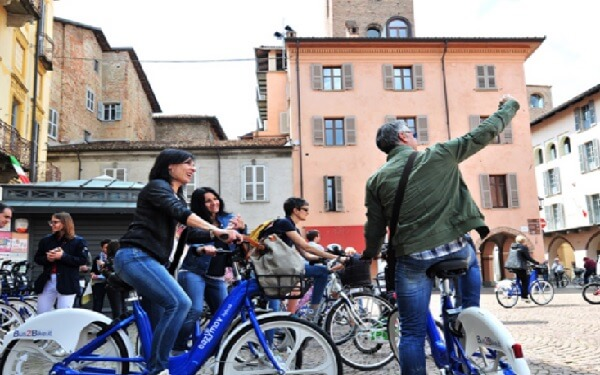 New China-Backed Bike-Sharer Targets Small, Hilly European
