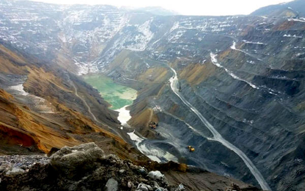 China's Zijin wins race for Serbia's largest copper mine-12.6亿美元!紫金矿业成功竞得塞尔比亚最大铜矿