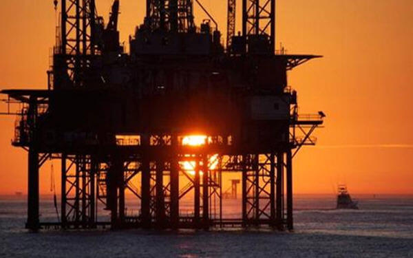 U.S. oil drillers cut most rigs since May 2016: Baker Hughes-