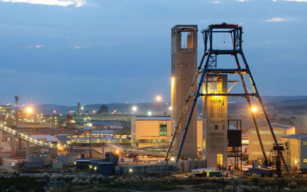 Gold Fields dismisses AngloGold merger report-Gold Fields否认将与AngloGold合并的报道