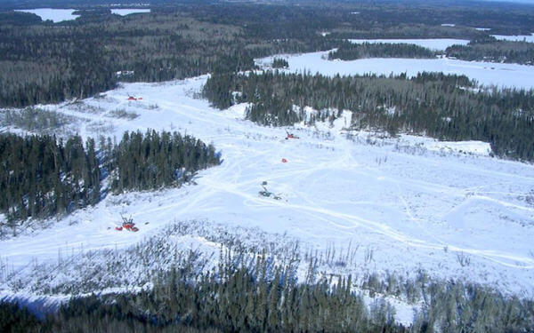 IAMGOLD puts construction of Canadian mine on ice-IAMGOLD在安大略省的黄金项目将暂缓建设