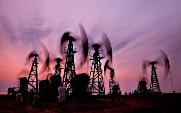 "Energy body points to 'gradual' rebalancing of oil market-国际能源署:油市将""缓慢""恢复再平衡"