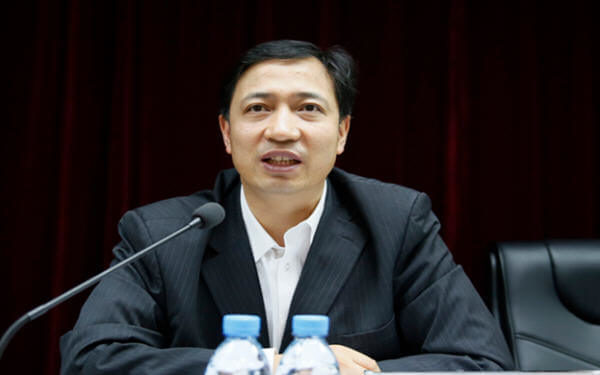China's Chalco promotes president to top job after chairman resigns-中国铝业高层调整,提拔内部人士担任一把手