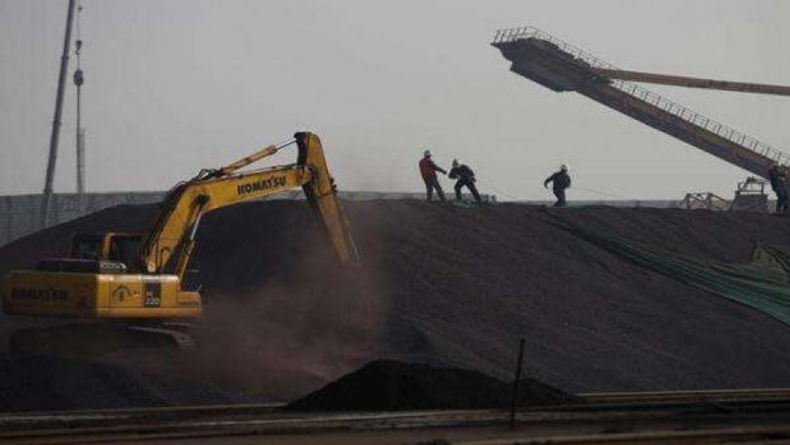 China iron ore rises to record on concerns over Brazilian supply