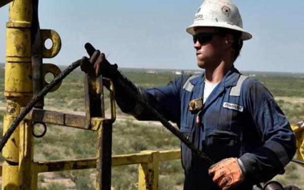 Goldman sees oil rising toward $70, says demand forecasts are too gloomy-高盛发布看涨油价的研究报告,称新兴市场需求被低估