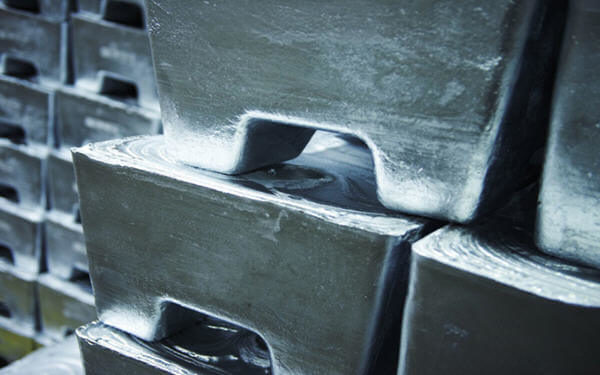 Zinc price builds on 2019 rally as stocks reach just 2 days consumption-库存仅购两天消耗,锌价2019年稳了