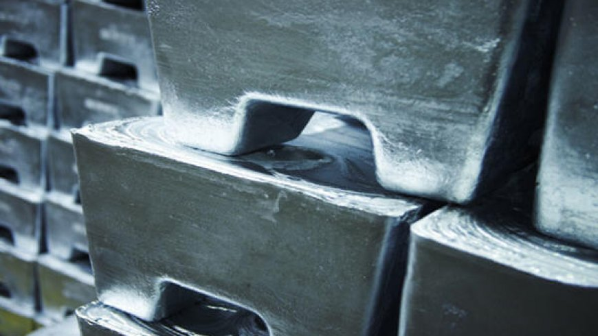 Zinc price builds on 2019 rally as stocks reach just 2 days consumption