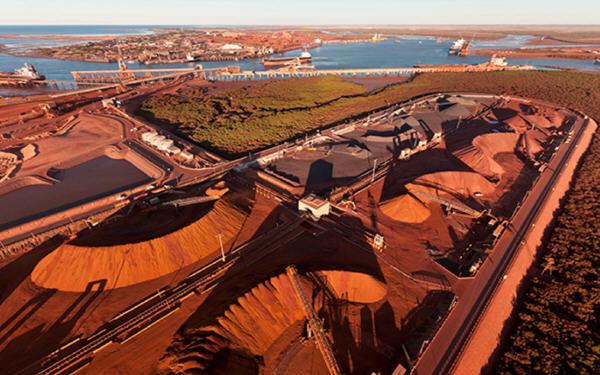 铁矿石价格在供应危机和贸易战之间摇摆不定