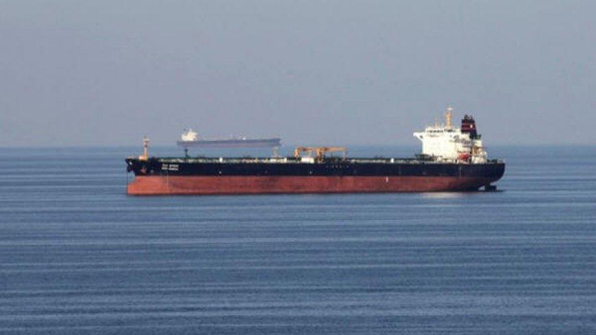 美国生产商将墨西哥湾的海上石油产量削减三分之一