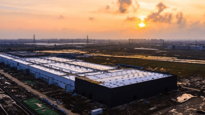 Tesla to Open Shanghai Gigafactory by Year End, City Official Says