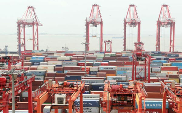 China-US Trade Gap Widened 7.7% in First Eight Months to USD187 Billion
