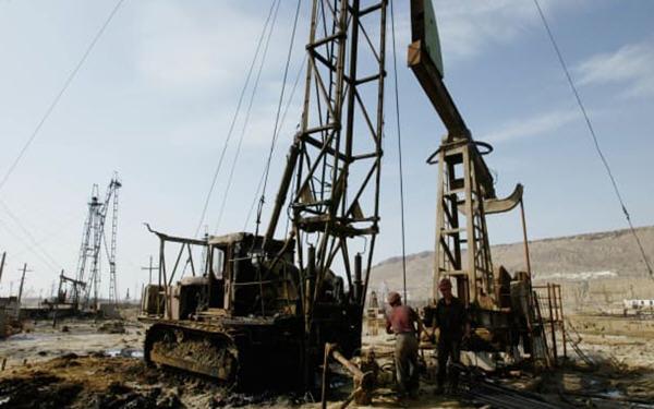 贸易谈判和需求疲软的迹象施压油价小幅回调