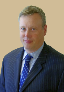 Patrick Donelly, 企业公关与发展副总裁