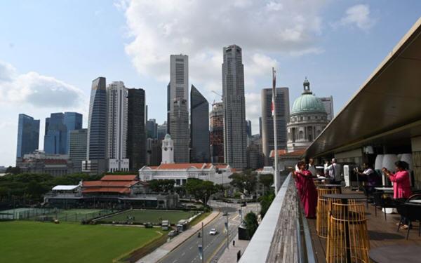大摩称中国和新加坡股市可避险