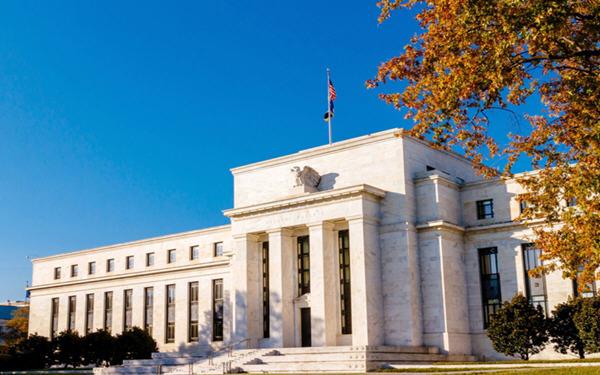 美联储无限制购买债券提振经济