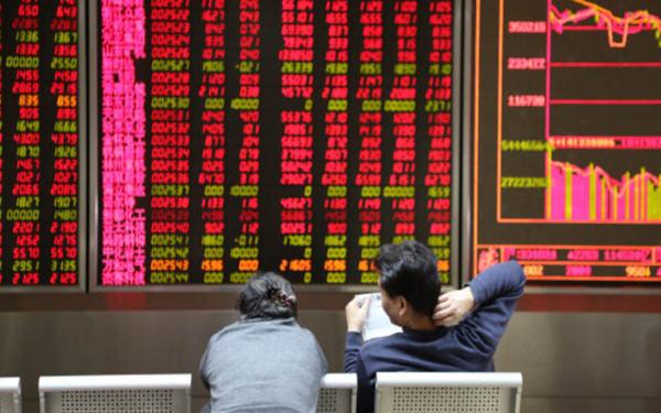 """新兴市场央行在油价暴跌后面临""""两难"""""""
