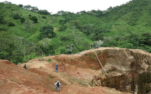 完成收购Alacran的Cordoba Minerals股价今日暴涨近三成