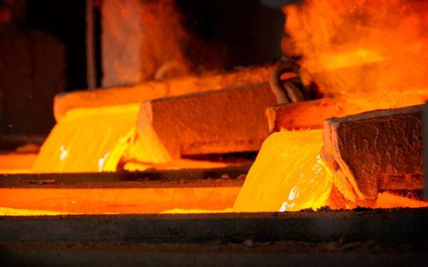 铜价大涨至两年来最高