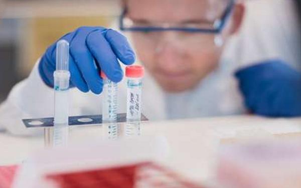 """医疗保健精选——阿斯利康将""""遵循科学""""开发COVID-19疫苗,FDA批准紧急使用T2 Biosystems的COVID-19试剂"""
