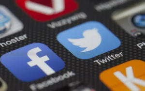 科技精选——联邦通讯委员会主席表示将重新审视社交媒体法律,大科技股的情绪开始动摇