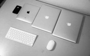 Apple beats financial targets