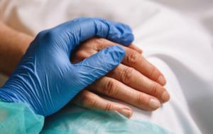 医疗保健精选——Clover Health股价收盘上涨近6%;百时美施贵宝淋巴瘤疗法Breyanzi获得批准