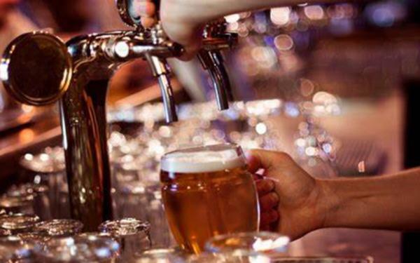 啤酒饮料股