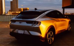 电动汽车何时能占据主要汽车市场?